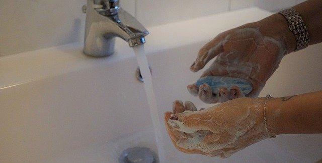 חיטוי קורונה על ידי שטיפת הידיים